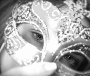 ID-10012566_woman in mask